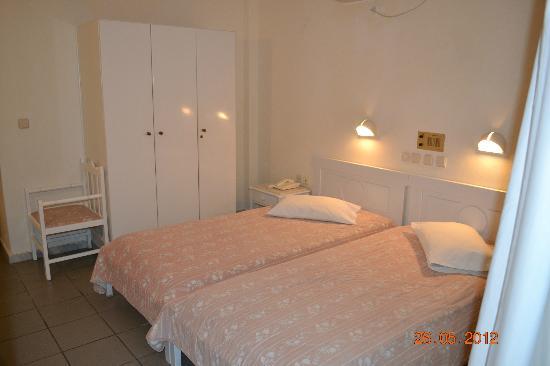 Kamari Beach Hotel: Doppelbett