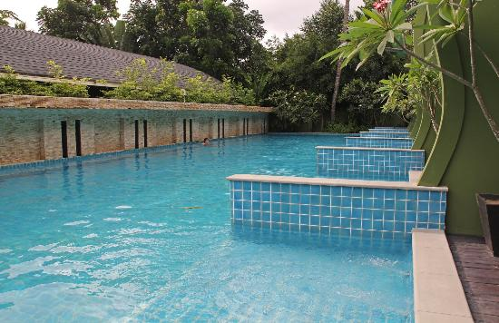 Swimming pool for the rooms with pool access - Picture of ...