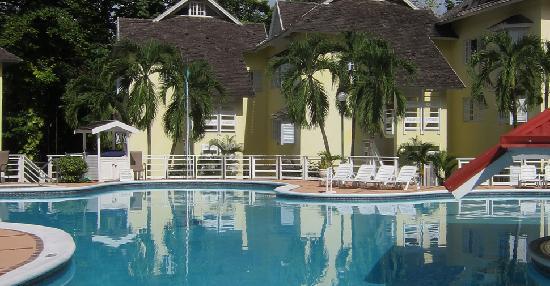 Mystic Ridge Resort: Pool Deck