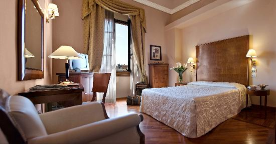 ‪‪Pierre Hotel Florence‬: Room‬