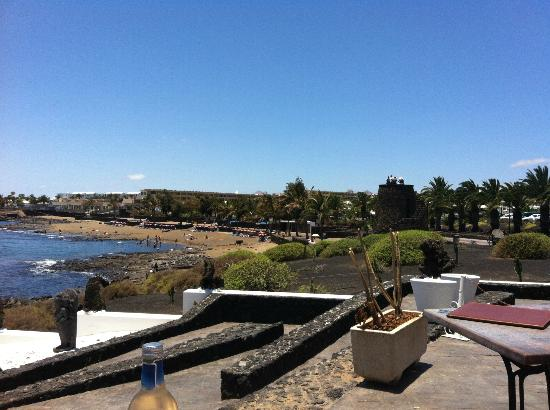 Apartamentos Camels Spring: small beach is 2 minutes walk