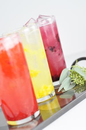 Truffles Cafe Pope Avenue : Fesh Fruit Lemonade and Teas