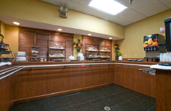 Comfort Inn at the Park: Breakfast Buffet