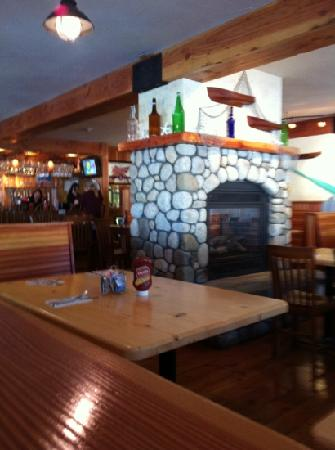 Graffam Bros Harborside Restaurant: nice atmosphere