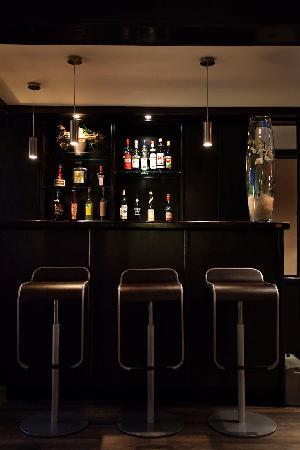 Hotel Carlton: Reception