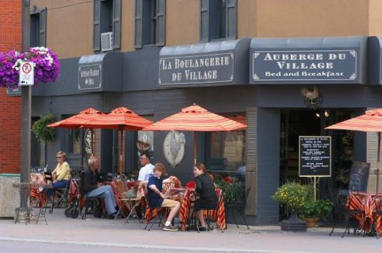 La Boulangerie Du Village : Charming and Friendly