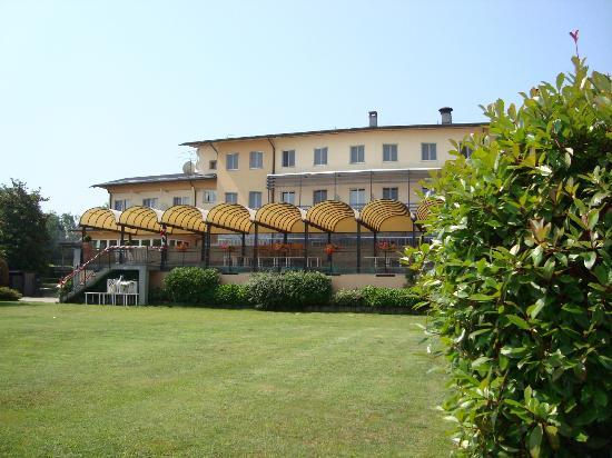 UNA Golf Hotel Cavaglià: esterno