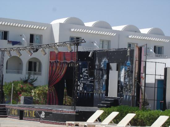 Hotel Djerba Les Dunes: Bühne