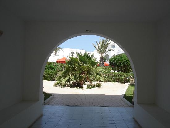 Hotel Djerba Les Dunes: Von den Zimmern Richtung Pool