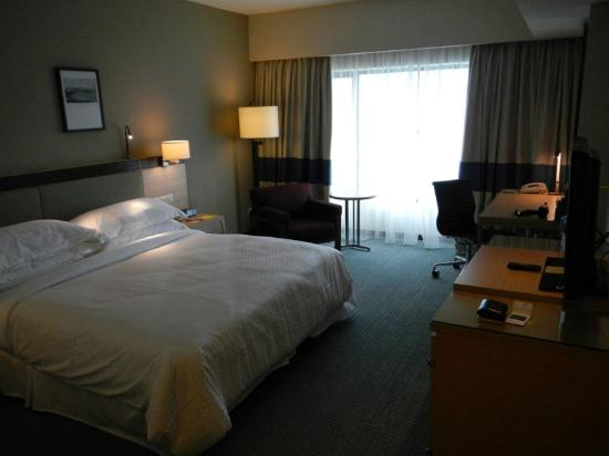 Four Points by Sheraton Sandakan: Nice room - View 2
