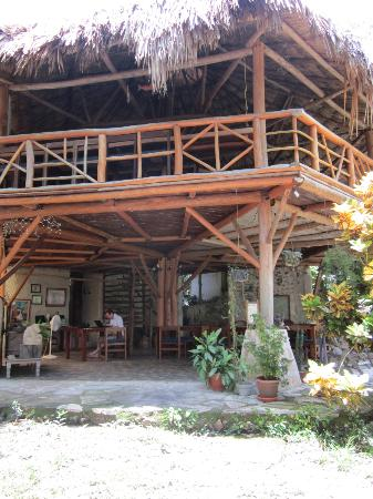 Nitun Private Reserve: main lodge space, with bar above