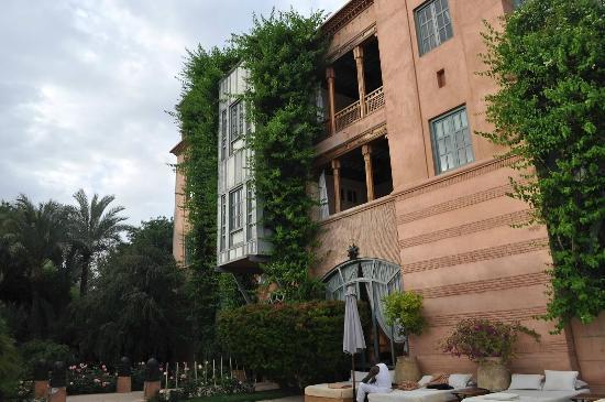 Dar Rhizlane : The hotel as seen from the pool