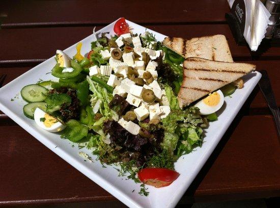 Douane: Fantastic Greek salad