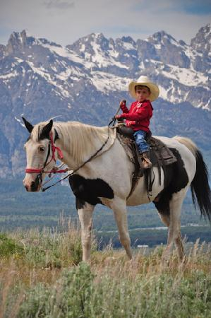 Spring Creek Riding Stables: Kids 5 yrs old can ride own horse