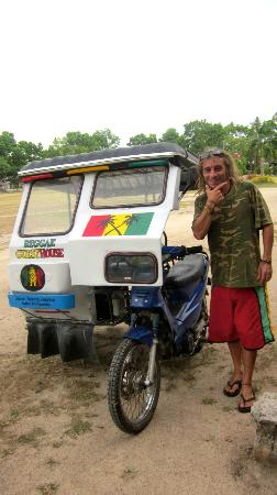 Reggae Guesthouse: Bilbo and his reggae tricycle