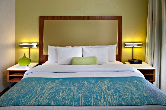 SpringHill Suites Scottsdale North: Guests feel rested in our new deluxe King beds!