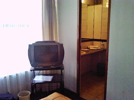 Panamerican Hotel : El televisor es viejo