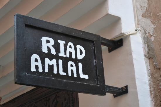 Riad Amlal: sign
