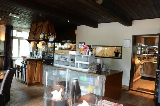 Restaurant Planken Wambuis: Bar and Kitchen