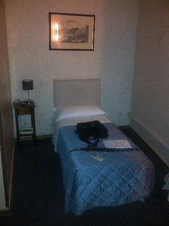 Elite Hotel: camere anguste e soffocanti!