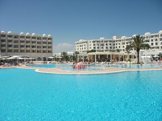 El Mouradi El Menzah: mehrere Pools Meer- und Süßwasser und stets sauber!