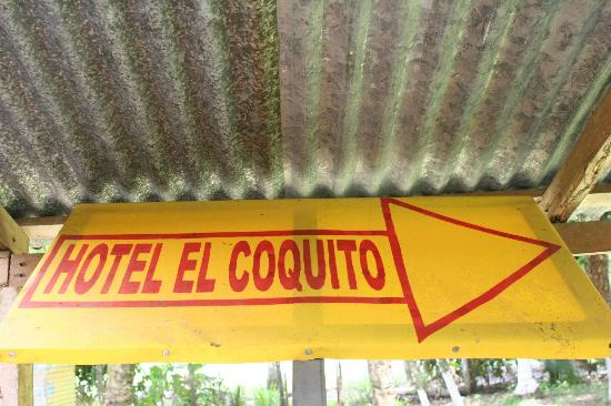 El Coquito: Sign