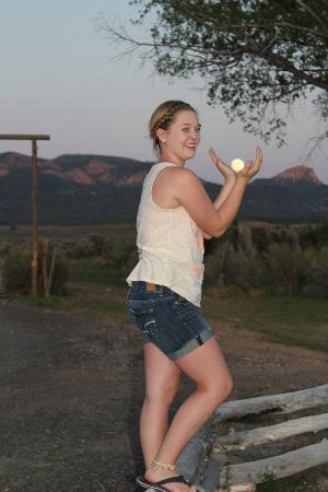 Cottonwood Meadow Lodge: The moon in the palm on her hands!