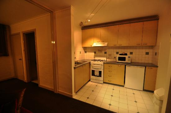 Punthill South Yarra Serviced Apartments: Kitchen