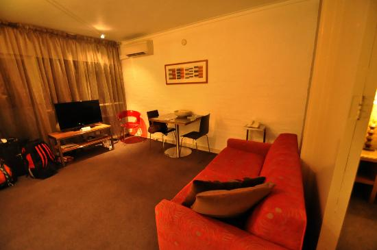 Punthill South Yarra Serviced Apartments: Living Area