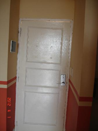Naviti Varadero crooked door and frame & crooked door and frame - Picture of Naviti Varadero Varadero ...