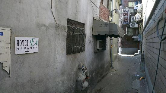 Hotel FA : 5) Enter second alley
