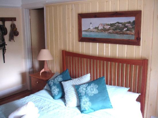 The Smuggler's Inn: Our bedroom
