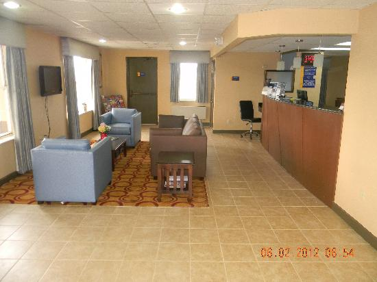 Days Inn Perryville: Lobby