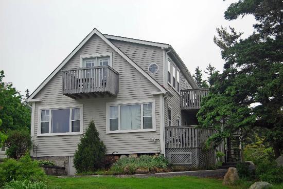 Oceanstone Resort: oceanfront cottage 2