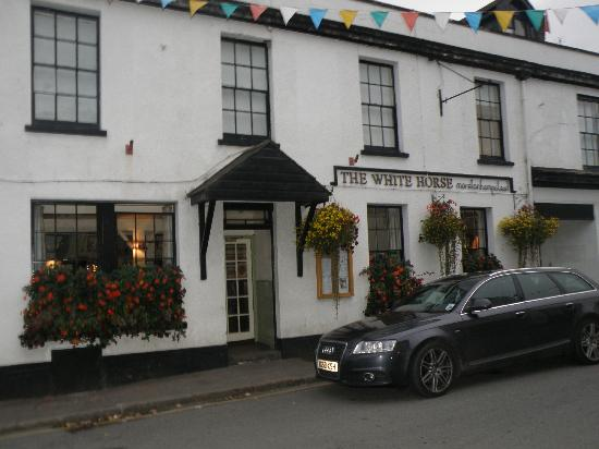 The Horse: White Horse Inn