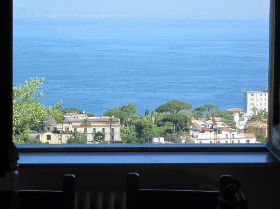 M Suites Sorrento : View from window to Bay of Naples