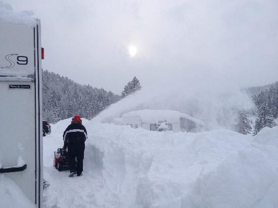 Bortelid Camping: camp has snow blower for free usage ;)