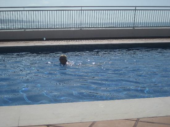 Vila Galé Ericeira: The saltwater pool.