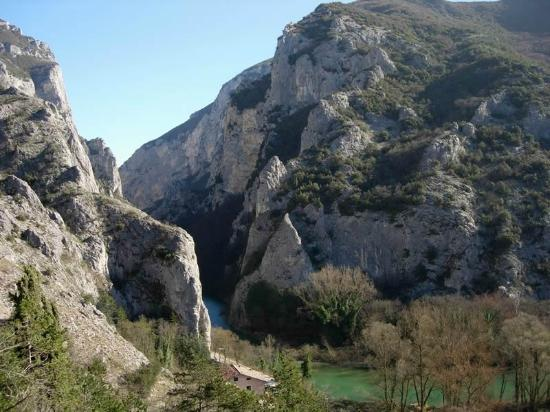 Furlo Gorge: Vecchia Flaminia. Gola-Passo-Canyon del Furlo