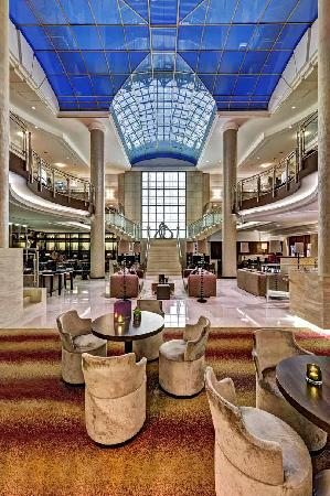 Hilton Berlin: Lobby mit Listo Lounge