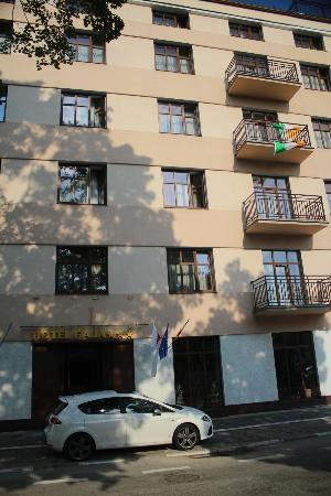 Hotel Gaja: Front View 3