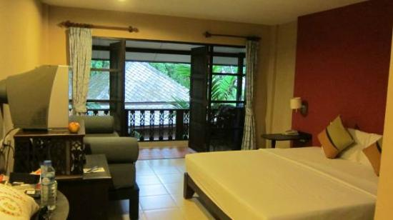 Chaweng Garden Beach Resort : Comfortable standard room