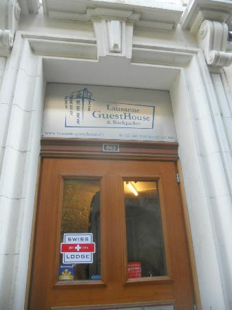 Lausanne Guesthouse & Backpacker: entrance