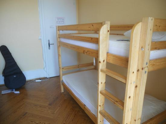 Lausanne Guesthouse & Backpacker: my room ( a dorm for 4)