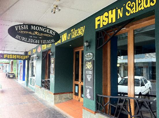 Gemini Court Holiday Apartments: Favourite fish and chips shop on the vibrant James Street strip a short stroll away