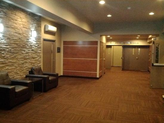 BEST WESTERN PLUS Dartmouth Hotel & Suites: Greeting area for conference center