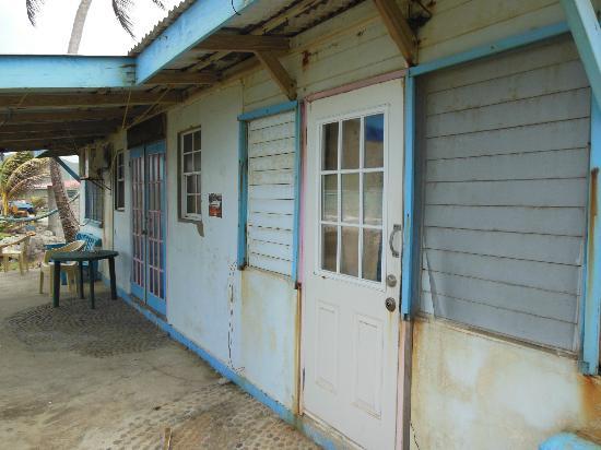 Lobster Pot Bay Beach Chalets : cottage