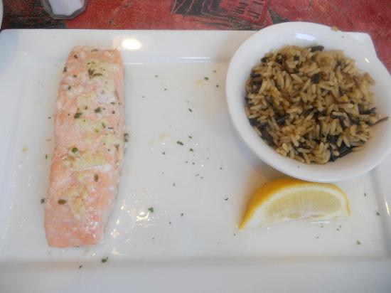 Wyncote, Пенсильвания: Salmon with brown rice