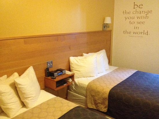 Inn of the White Salmon: Our renovated rooms also feature double beds.
