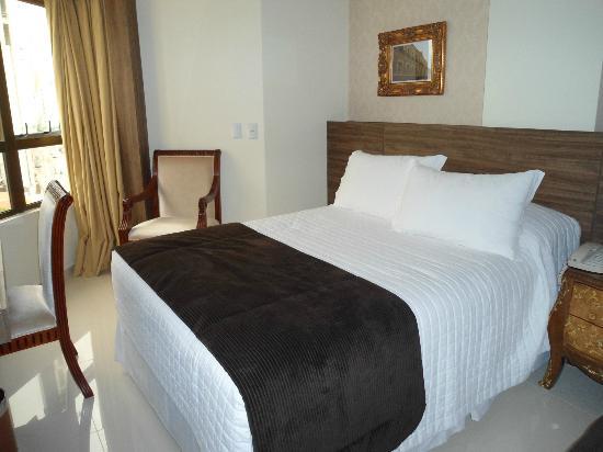 Best Western Premier Majestic: cama hotel